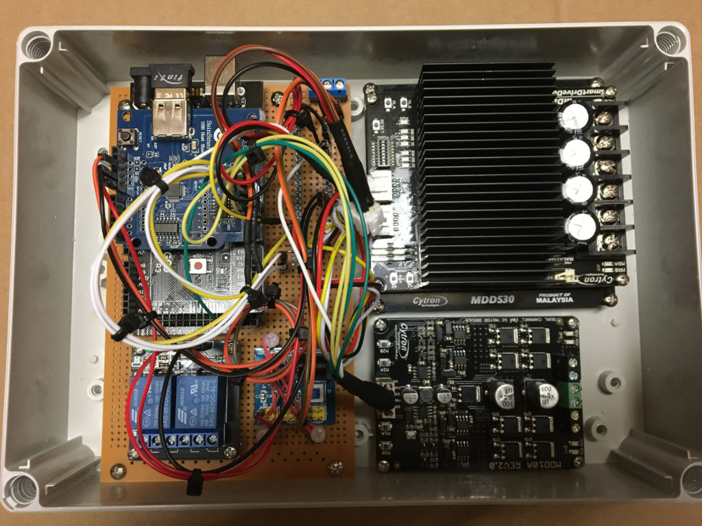 Arduino Snow Plow Elektronik Komponenten, Spannungsregler, Motortreiber und Relaismodul