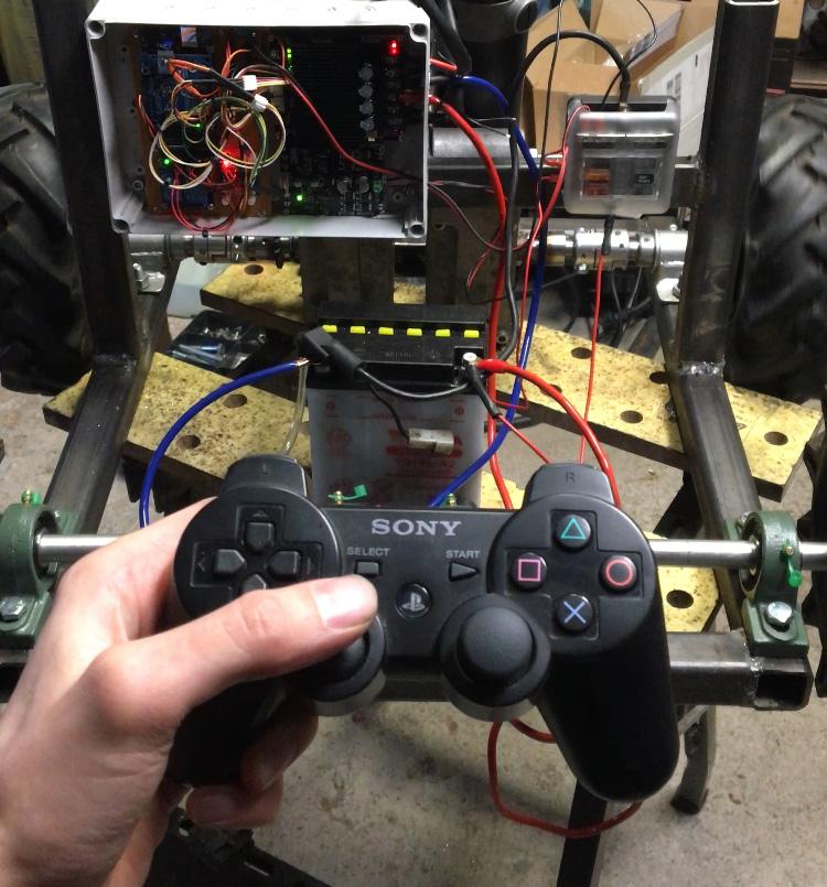 Arduino Snow Plow Roboter mit Playstation 3 Controller als Fernbedienung PS3BT